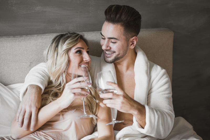 What are some good foreplay drinking games? Best 15 Foreplay drinking games